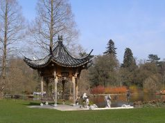 800px-Butterfly_lovers_pavilion_5366r